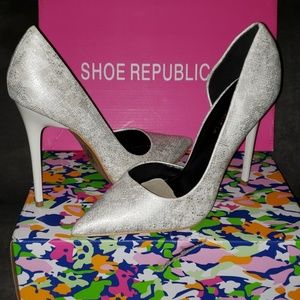Shoe Republic White Embossed Stiletto Pumps